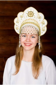 Кокошник «Елена» белого цвета
