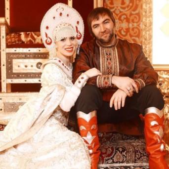 Свадебный костюмы