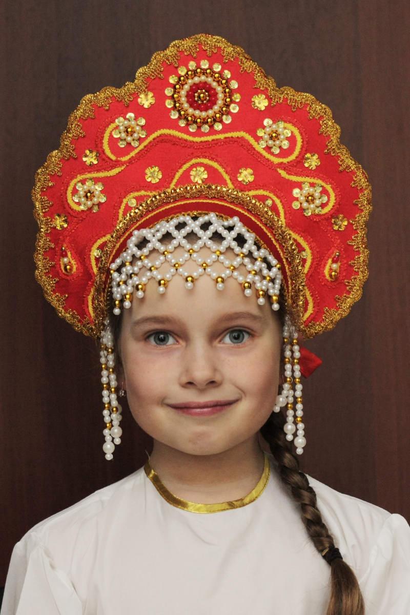 плетение головного кокошника русского народного костюма мамашка приподняла юбочку